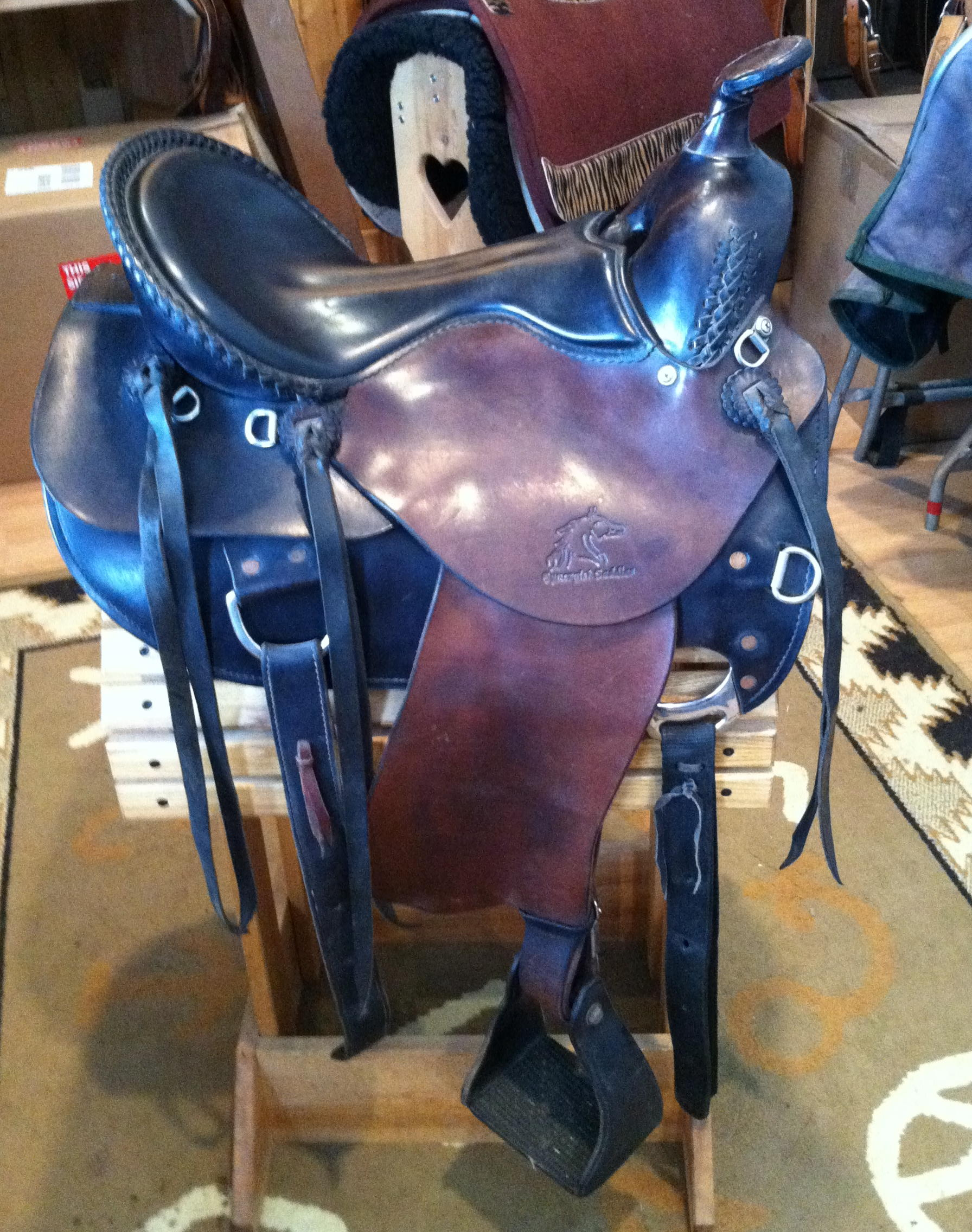 Synergist Western Saddle